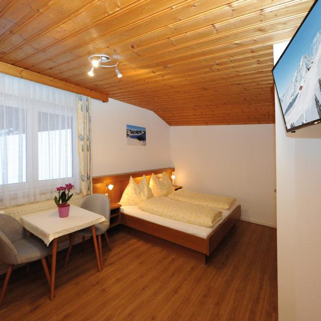 34_Zimmer_Obergeschoss_B
